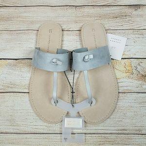 NWT LC Lauren Conrad Women's T Strap Sandals